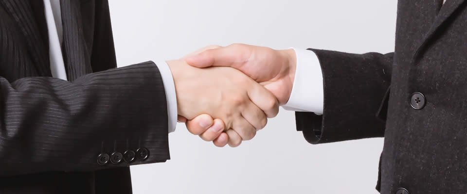 無事内定で握手!